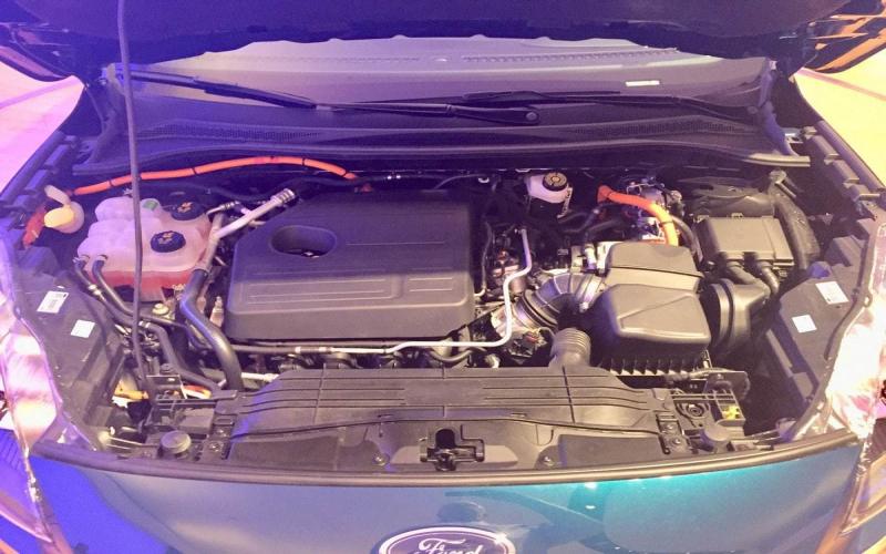 2020 Ford Escape Hybrid Suv Performance And Mpg   Carindigo