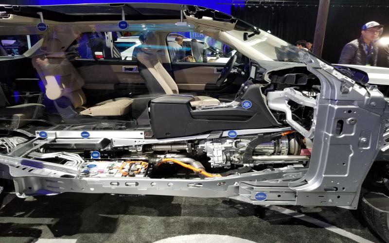 2020 Ford Explorer Hybrid Promises 500 Miles Range | Top Speed