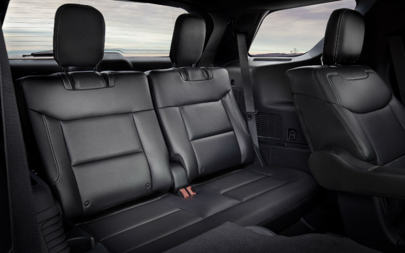 Third-Row-Passenger-Space-In-A-2020-Ford-Explorer_O