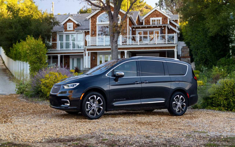 2021 Chrysler Pacifica Debuts Facelift, Pinnacle Trim, And